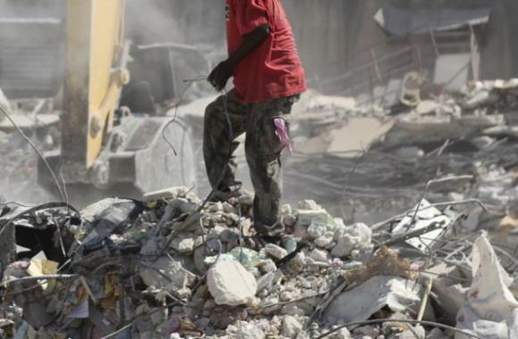 廃棄物粉砕設備